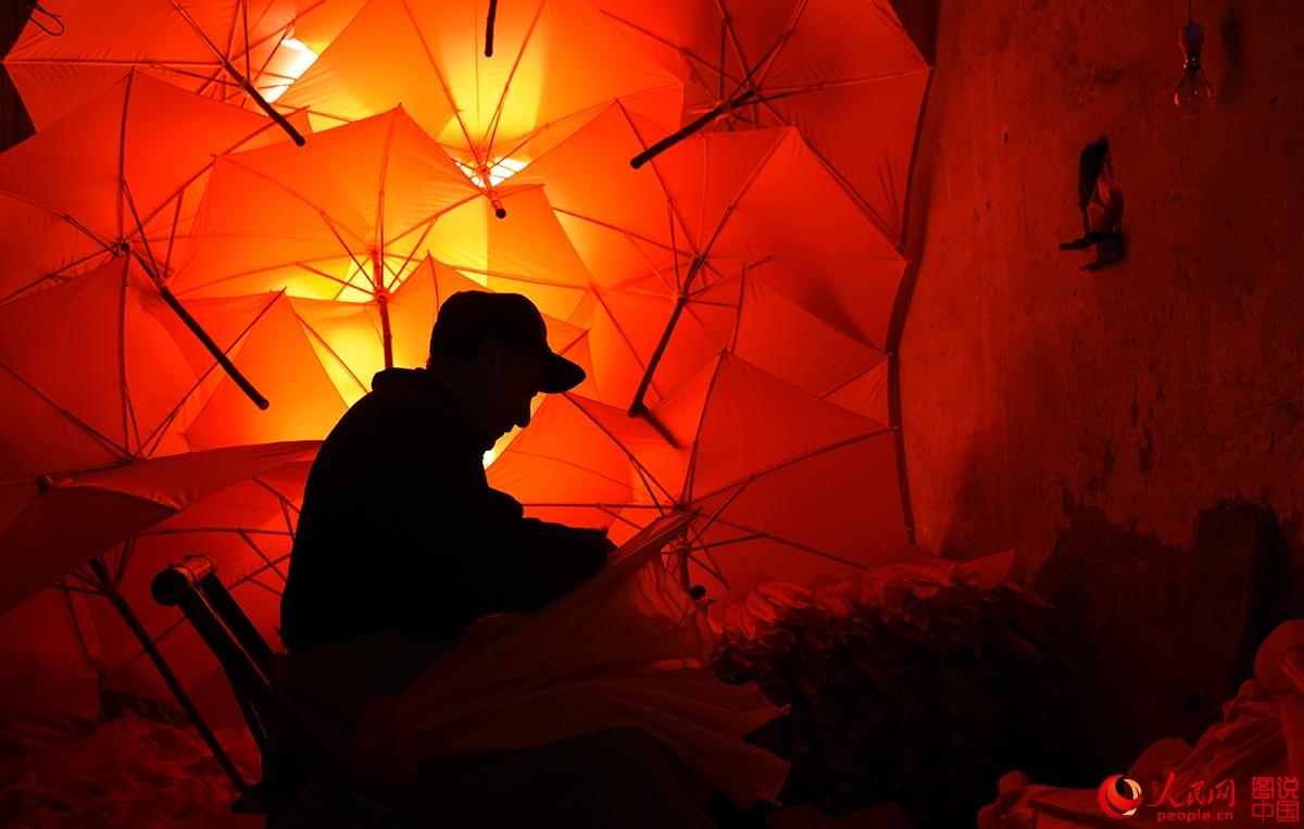 安徽涇县的名片----油布伞