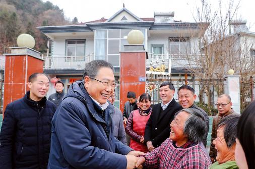 与村民同吃同住,这三天省委书记在岳西县住村走访